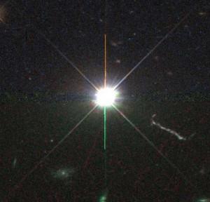 3C 273- ის ოპტიკური გამონასახი, რომლის მარჯვნივ დაიკვირვება ჯეტი.