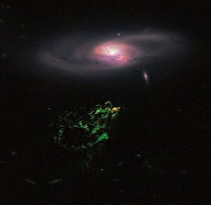 IC 2497- ის კომბინირებული (ოპტიკური და ახლო ინფრაწითელი) გამონასახი, რომელიც მიღებული იქნა ჰაბლის სახელობის კოსმოსური ტელესკოპის მეშვეობით.