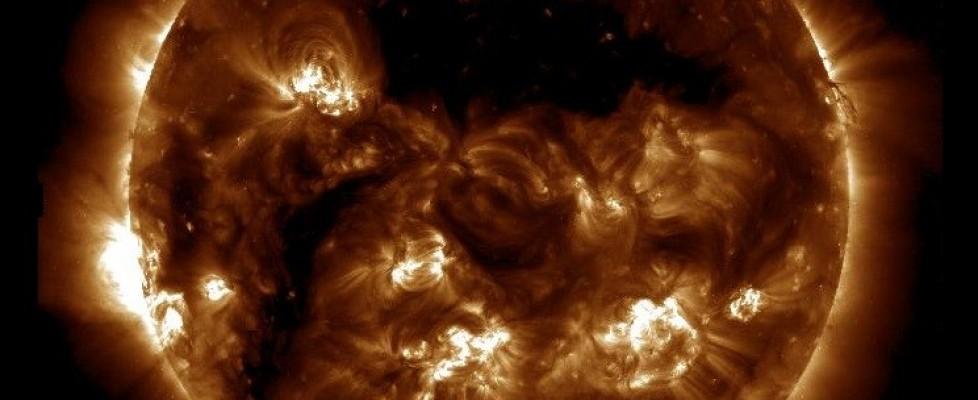 მზის კორონული ხვრელები