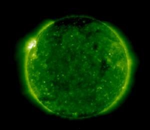 ა) მზის კორონა მინიმუმის დროს, SOHO EIT 195, 1997/07/16 19:51:38